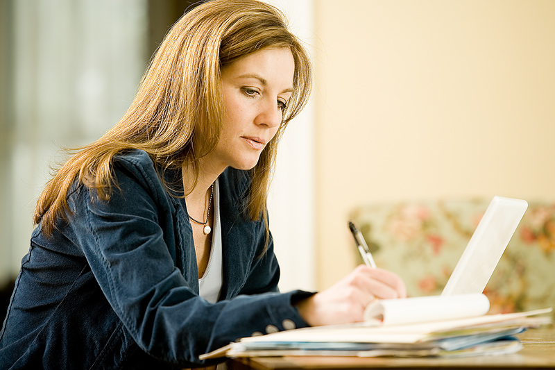 essay about a girl Descriptive-beauty of a women essaysimagine if you can a beautiful young woman, perhaps the most beautiful woman you have ever seen her hair is a light blonde color.